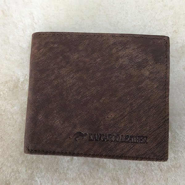 kangaroo wallet brown closed